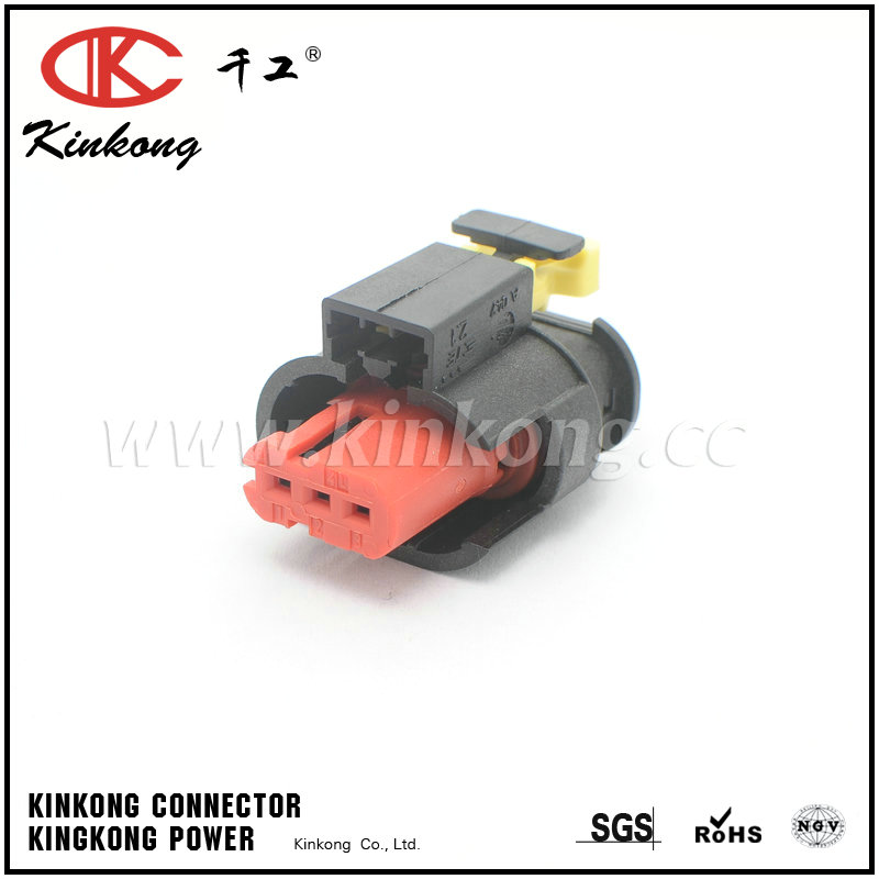 284426-1  3 pin female injection connectors   CKK7031B-1.5-21