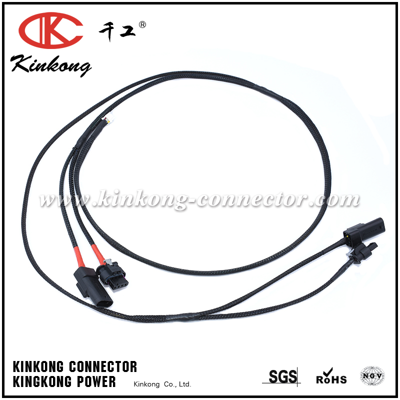 Automotive wire harness cable assembly with 8P Molex connector