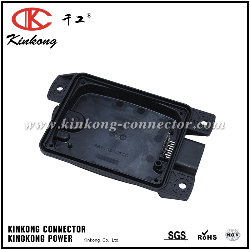 2297828-1 197 467-50 8 pin male automotive connector