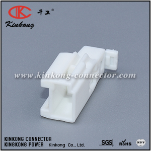7282-8631 MG643272 3 pins male cable connector CKK5033W-0.7-11