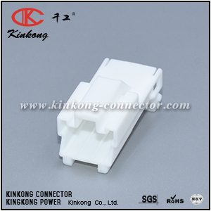 7122-8335 PB301-03010 MG620395 3 pins male electrical plug CKK5031W-1.8-11