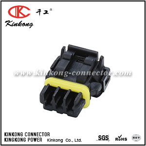 52117-0341 3 hole female automotive connector CKK7032B-0.7-21